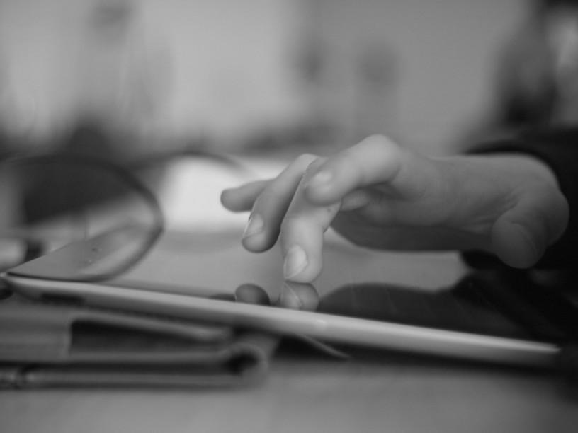 student-ipad-engaging-new-classroom